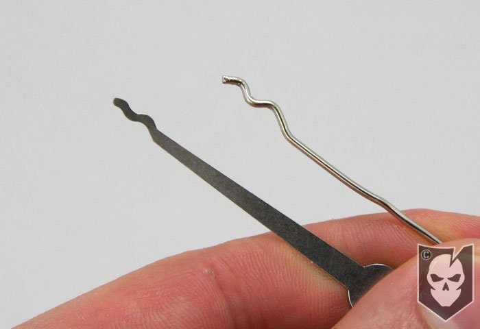 paperclip lock pick