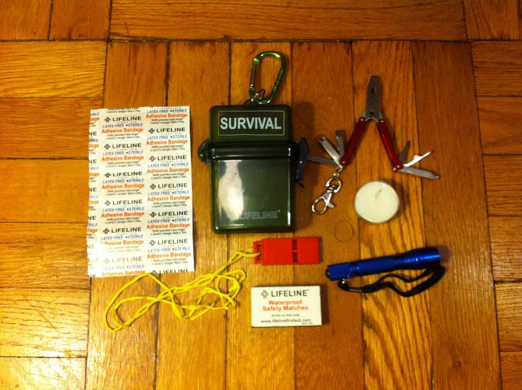 lifeline-weatherproof-survival-kit-01