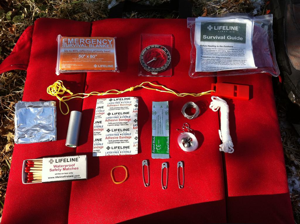 pocket-survival-kit-04