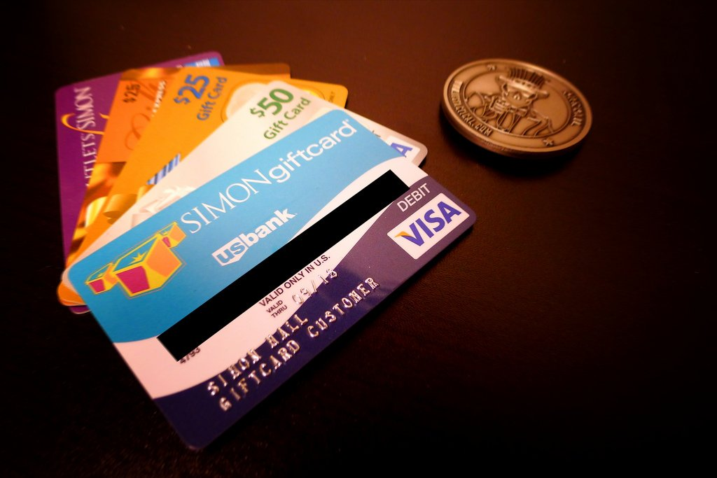 How to Use Prepaid Cash Debit Cards Online Anonymously