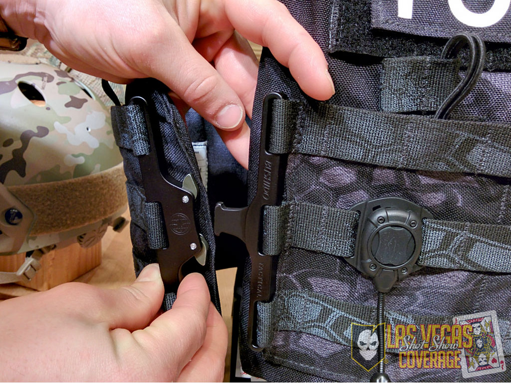 Cobra Buckle Plate Carrier