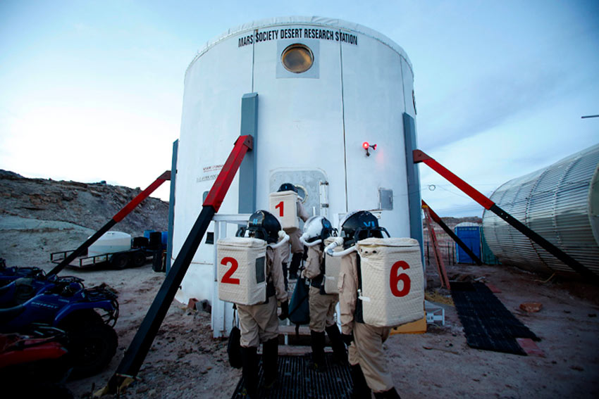 Mars Research Station photo by REUTERS/Jim Urquhart