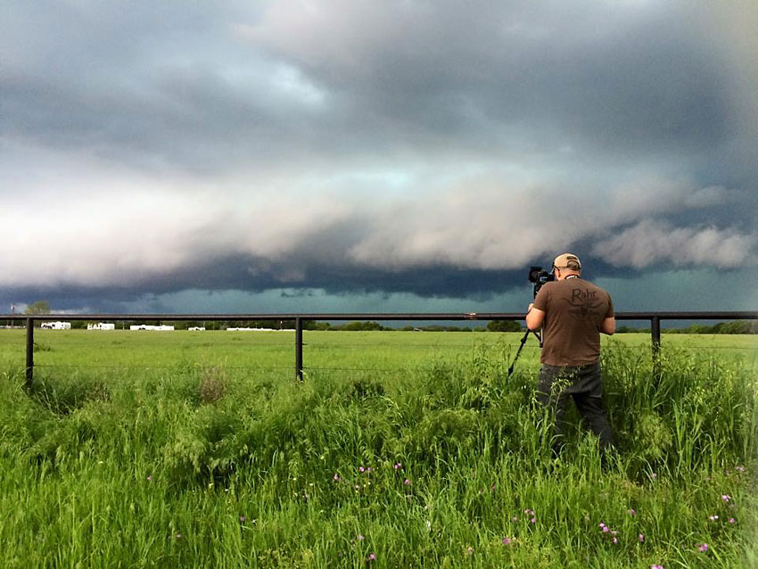 Storm Chasing 02