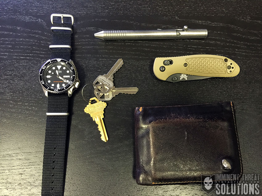 Pocket Dump Could Your Edc Photo Allow Criminals To Break