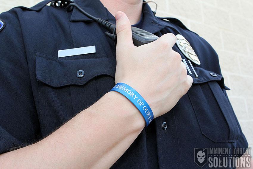 memorial-bracelet-police-blue-02