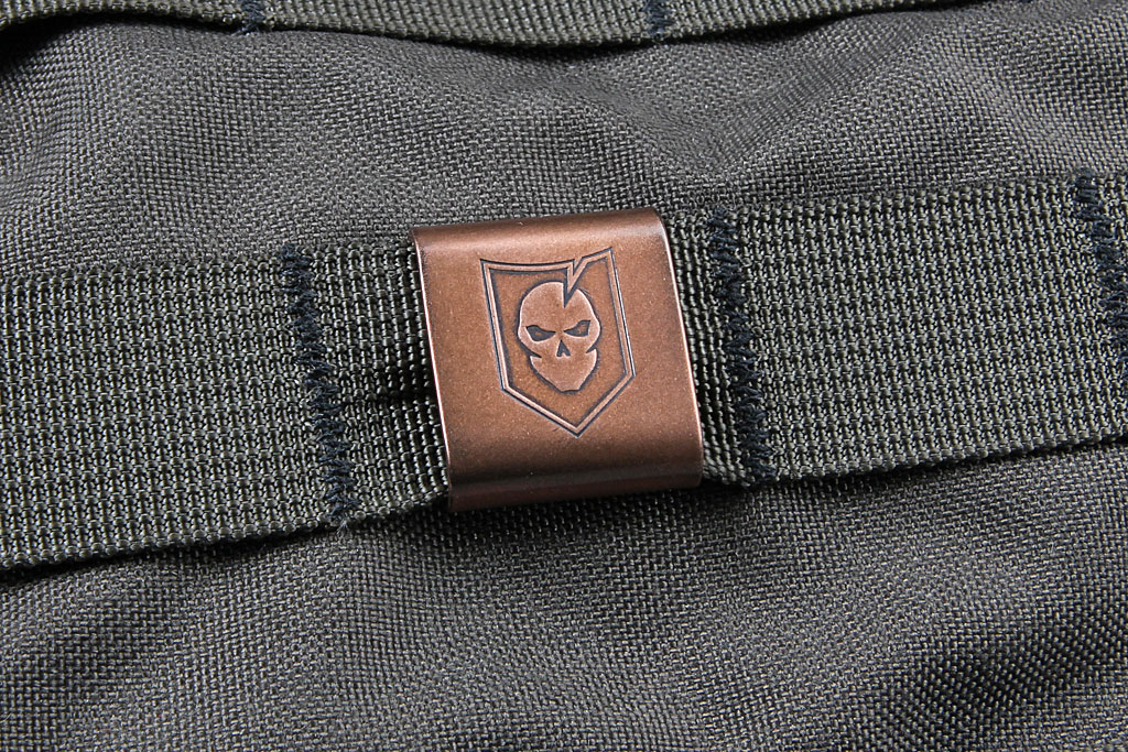 steel-flame-molle-clip-01