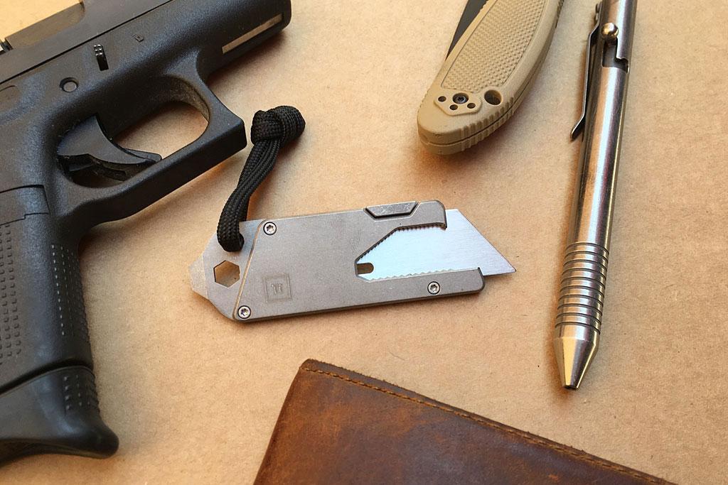 titanium-pocket-tool-01