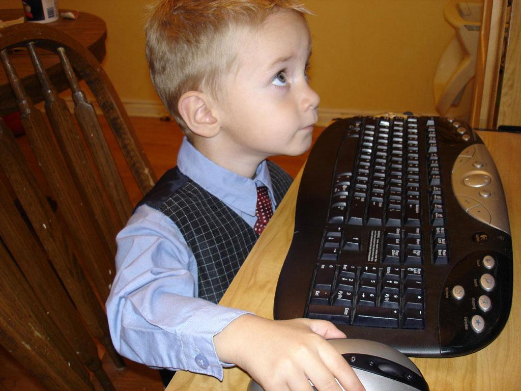 sitrep-08-03-child-internet