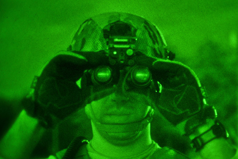 night-vision-binoculars