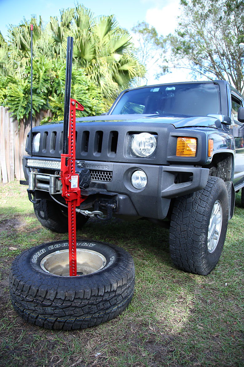 Off-Road Staple: Unconventional Methods of Using a Hi-Lift