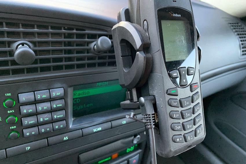 Satellite_Phone_04